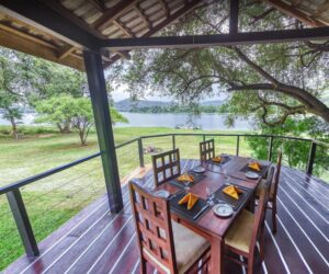 Lake-View-Dining-Area